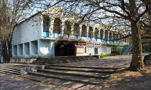На месте детского кафе «Гугуцэ» предлагается построить многоэтажный отель с зоной отдыха и развлечений. Фото: benia.livejournal.com