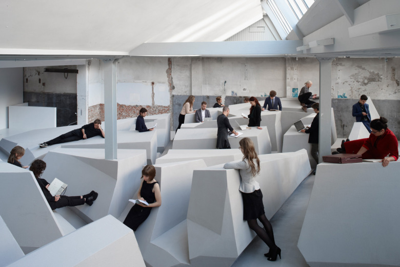 futuristic-office-concept-in-amsterdam-doesnt-have-chairs-or-desks-1
