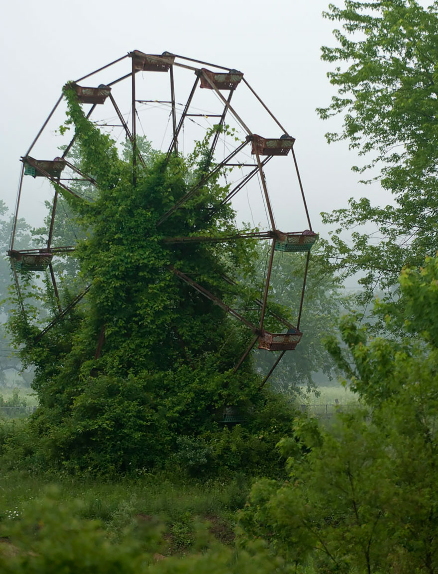 nature-reclaiming-abandoned-places-wcth07