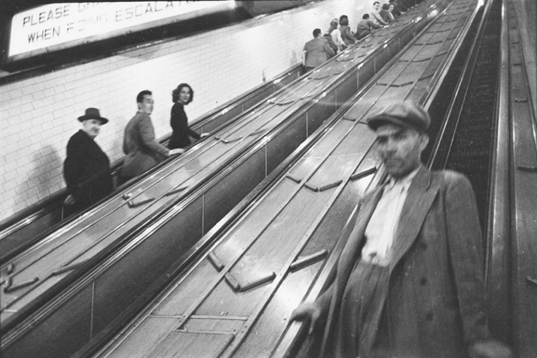 stanley-kubrick-18-year-old-photography-new-york-city-subway-09