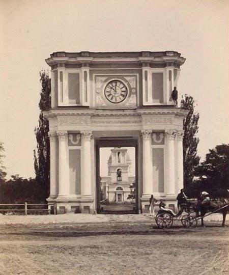 """""""Ворота Собора"""", 1889 год."""