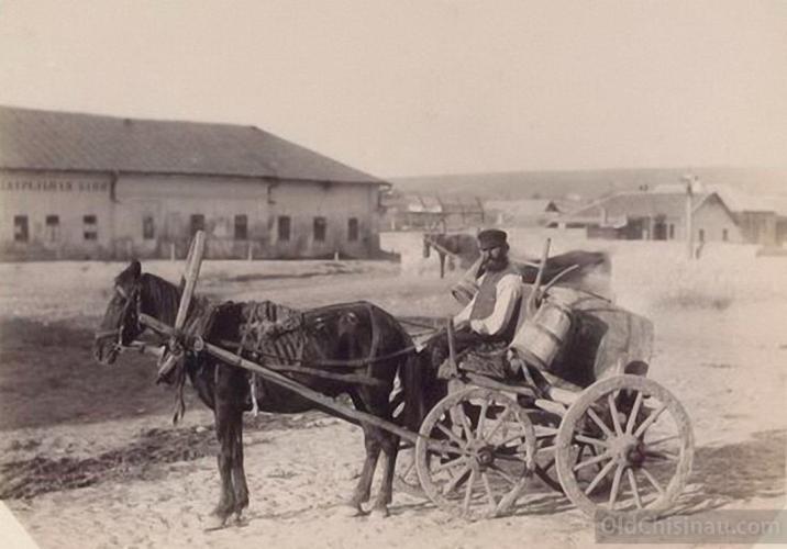 Кишинёвский водовоз. Фото: oldchisinau.com