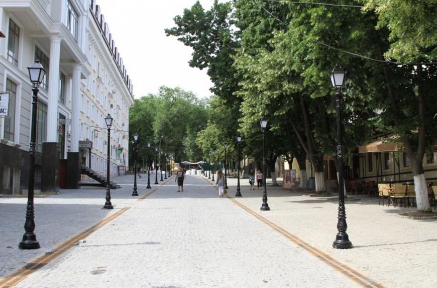 Улица Диордицэ летом 2014-го. Фото: mold.su