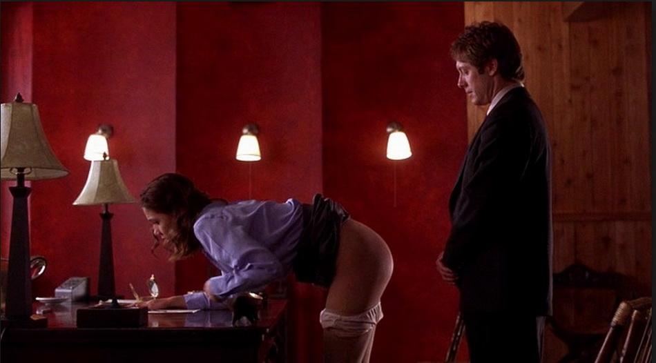 эротический фильм с участием сильвии стоун в роли секретарши