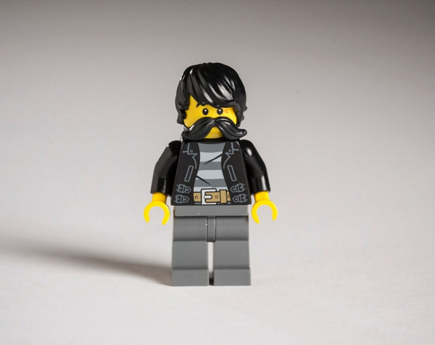 hipster-LEGOs-the-guardian-designboom-01