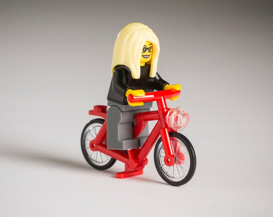 hipster-LEGOs-the-guardian-designboom-02