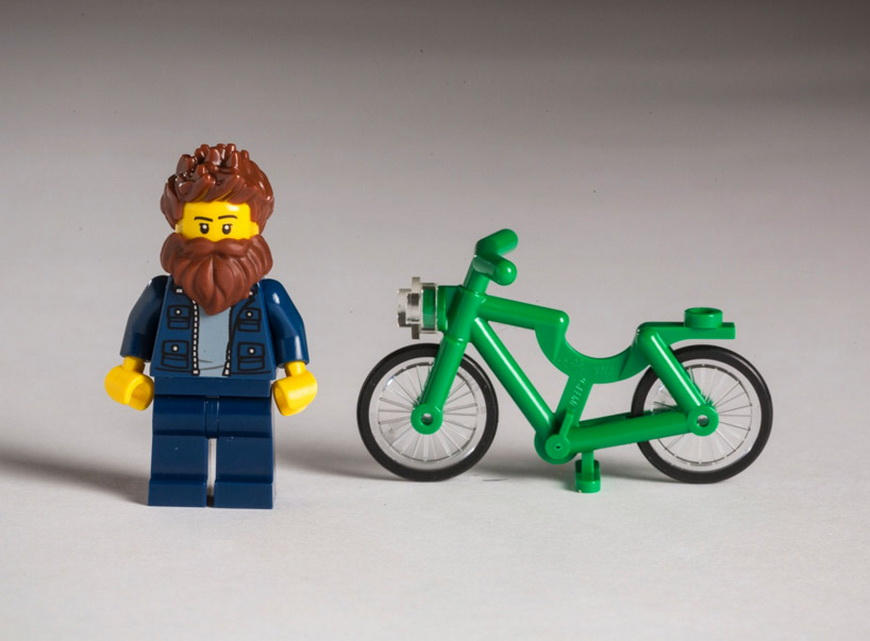 hipster-LEGOs-the-guardian-designboom-03