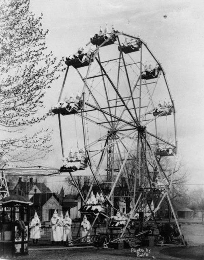 Ку-клукс-клан на карнавале в Канон-сити. 1925 год.