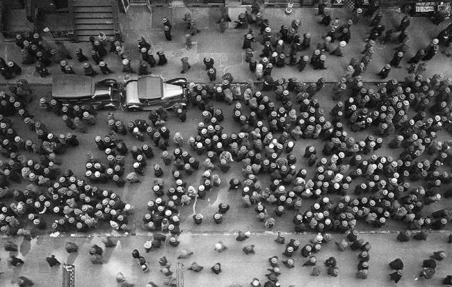 Вид сверху на Нью-Йорк, когда все носили шляпы. 1939 год.