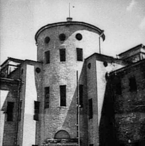 06-Tiuremniy-Zamok