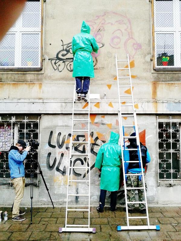 KRIK/SEIKON/JACYNDOL, работа над муралом, фото: urbanforms.org