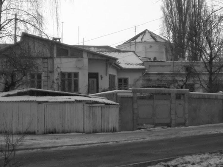 Вид на башню с улицы Бернардацци. Наши дни.