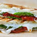 3 простых завтрака: горячие бутерброды