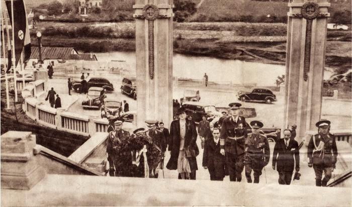 Церемония открытия, октябрь 1942 года.