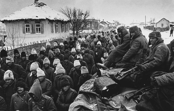 Румынские пленные под Сталинградом. 1942