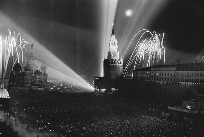 Праздничный салют. Красная площадь. 1945