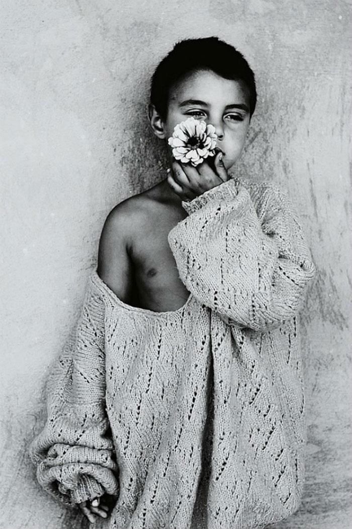 black-and-white-photography-childhood-joy-felicia-simon-11