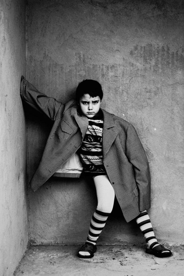 black-and-white-photography-childhood-joy-felicia-simon-13