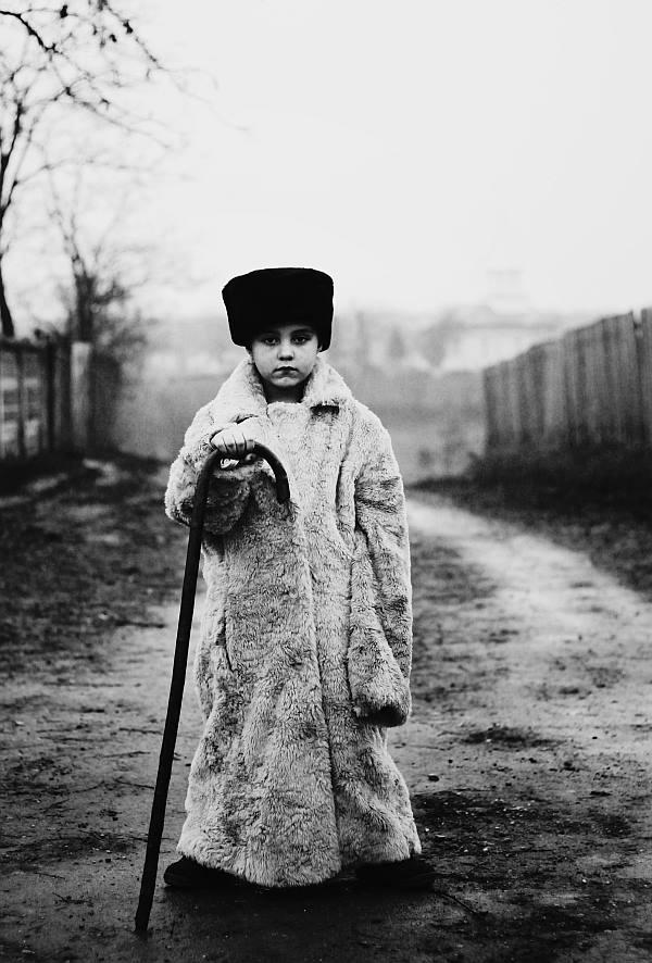 black-and-white-photography-childhood-joy-felicia-simon-136