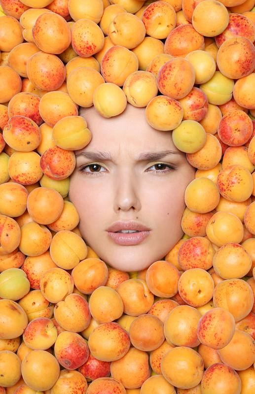 elena-goroshka-apricots-2