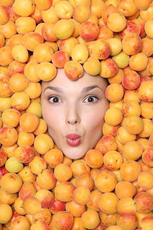 elena-goroshka-apricots-5