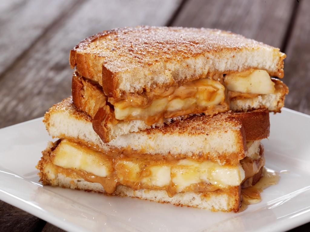 bananovye-sendvichi-s-arahisovym-maslom