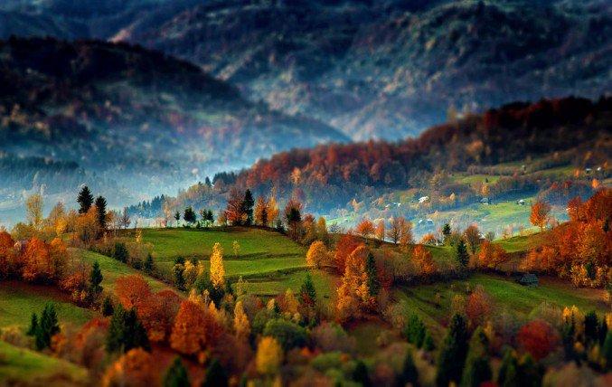Alex-Robciuc-transylvanian-mountains-sunrise-01-677x428