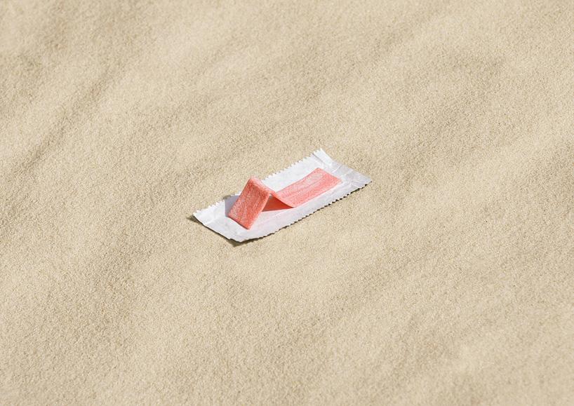 жвачка на пляже, 2012 photograph, 29.7 x 42 cm / 11.7 x 16.5 in