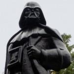 В Одессе памятник Ленину превратили в Дарта Вейдера