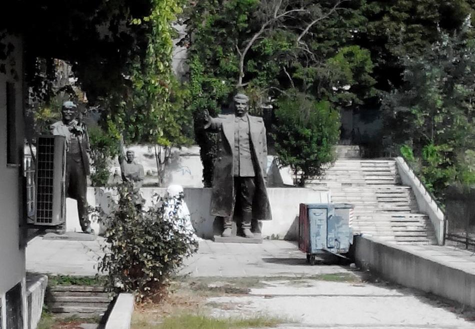 02-Tirana