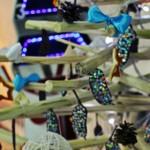 Magia sărbătorilor de iarnă a ajuns la Chișinău cu peste 50 de brazi de Crăciun creați de tineri artiști