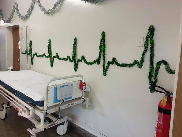 02-hospital-christmas-decorations