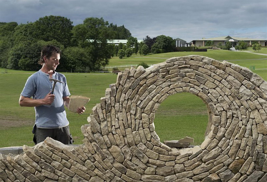 04-stone-sculptures-mosaic-johny-clasper