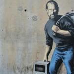 Бэнкси изобразил Стива Джобса в образе сирийского беженца