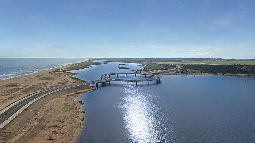 02-circular-bridge-uruguay-rafael-vinoly