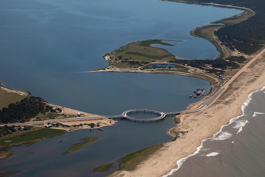 05-circular-bridge-uruguay-rafael-vinoly