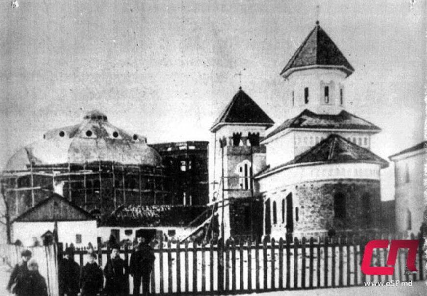 Недостроенные синагога и церковь Святых Петра и Павла, 1910-е годы.