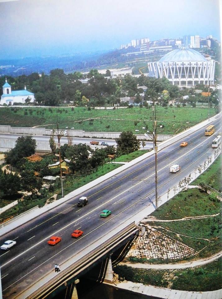 2malo-Old Chișinău 1980