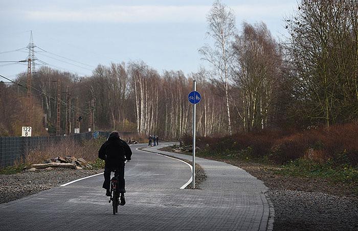 bicycle-highway-autobahn-germany-21