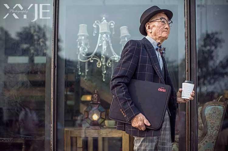 grandson-transforms-grandfather-fashion-trip-xiaoyejiexi-photography-1