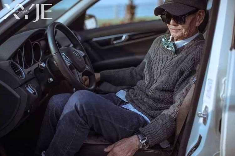 grandson-transforms-grandfather-fashion-trip-xiaoyejiexi-photography-16