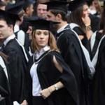 В Великобритании правительство отменило все студенческие стипендии