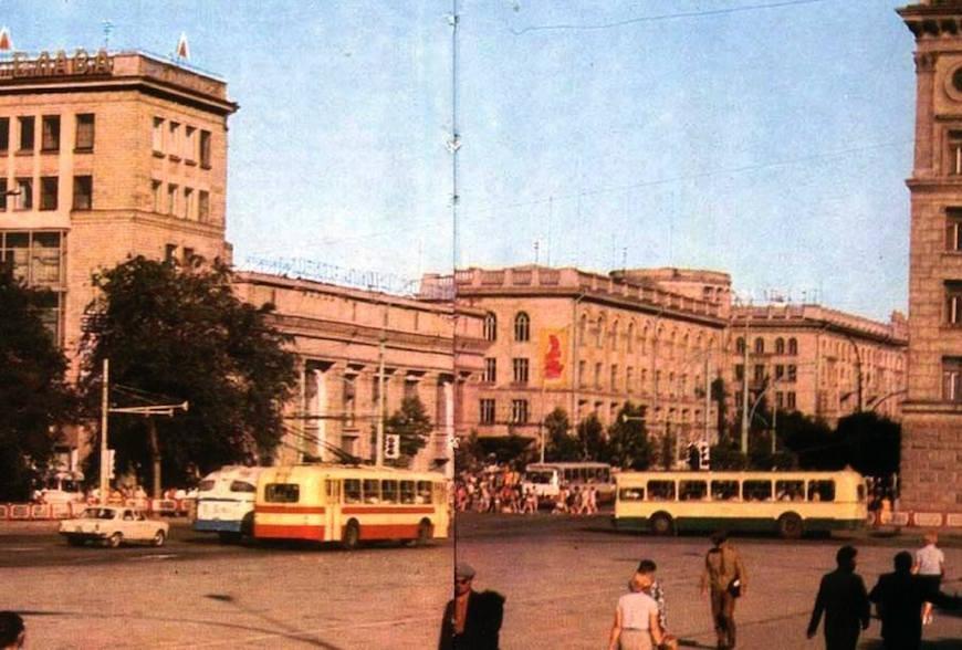 Old Chișinău (1973). Угол проспекта Ленина с улицей Пушкина.