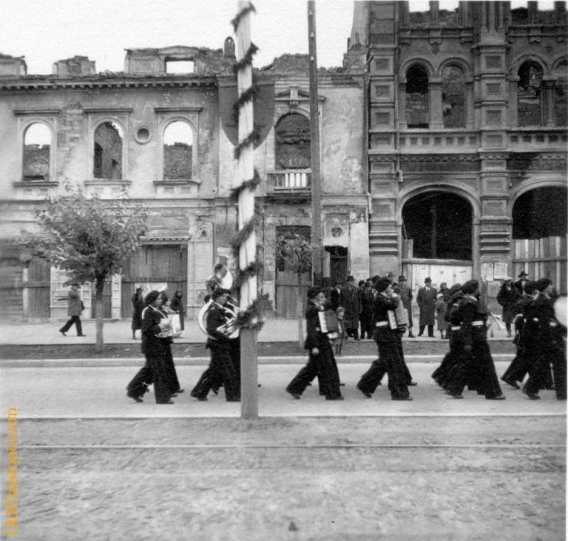 Оркестр. 29 октября 1942 года.