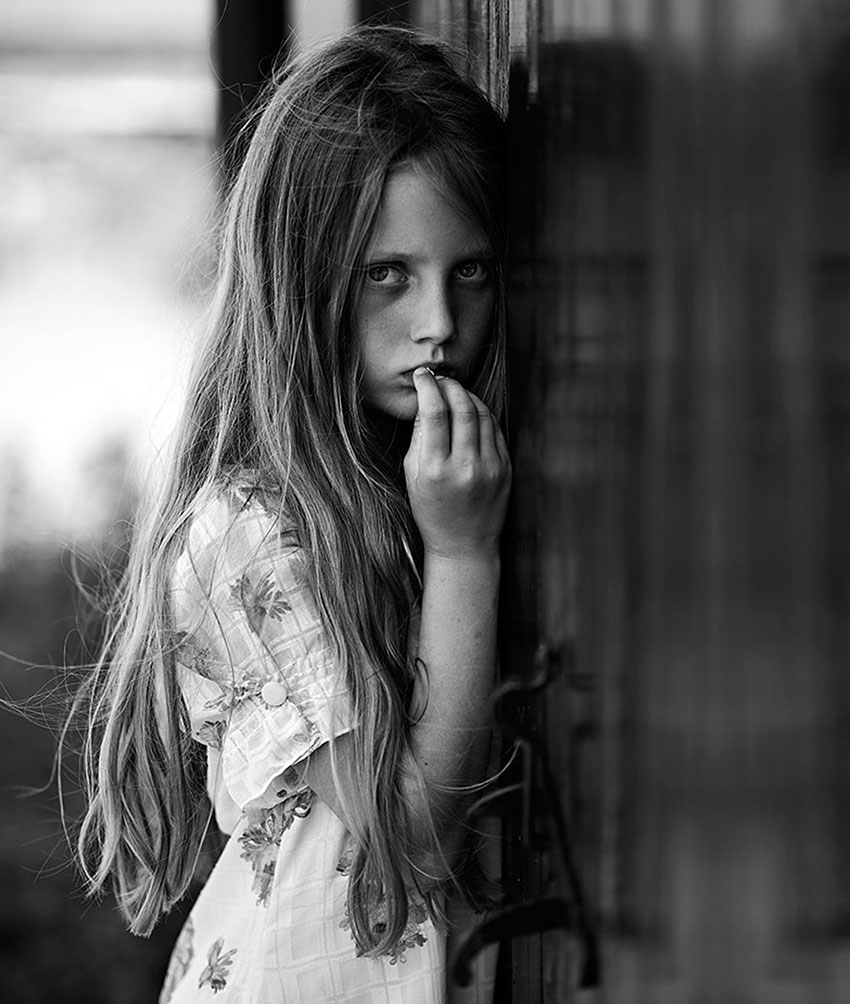 MIND-BLOWING-ARTISTIC-CHILD-PHOTOGRAPHY-BW-CHILD-2015-PHOTO-CONTEST-RESULTS34__880