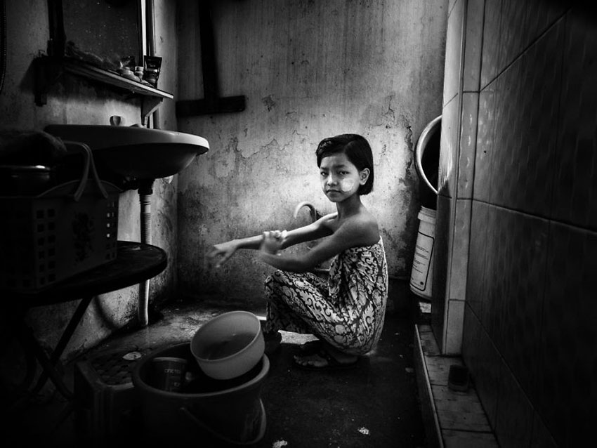 MIND-BLOWING-ARTISTIC-CHILD-PHOTOGRAPHY-BW-CHILD-2015-PHOTO-CONTEST-RESULTS7__880
