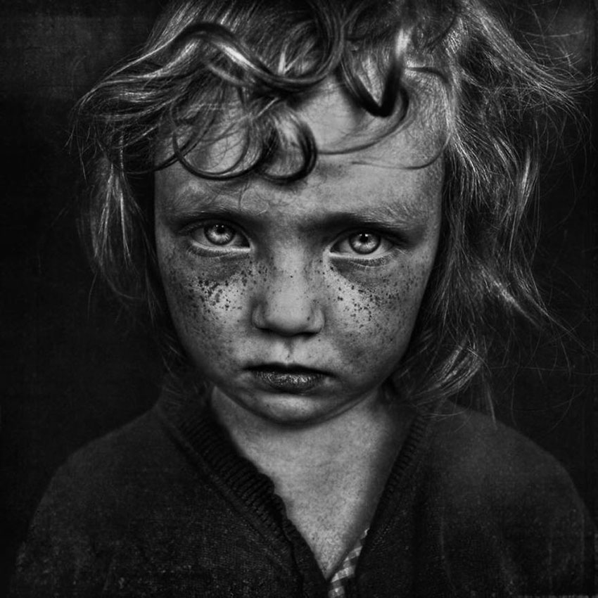 MIND-BLOWING-ARTISTIC-CHILD-PHOTOGRAPHY-BW-CHILD-2015-PHOTO-CONTEST-RESULTS__880