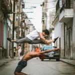 Уличный балет на Кубе в фотографиях Омара Роблса