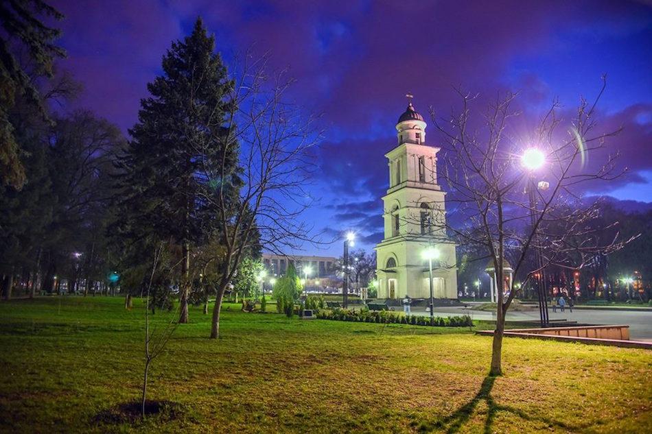 furajcov-chisinau-night00000