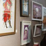 """Creațiile artiștilor MiHU, Nicoleta Vacaru și Vasile Botnaru la expoziția """"Wine, Coffee, Time"""""""